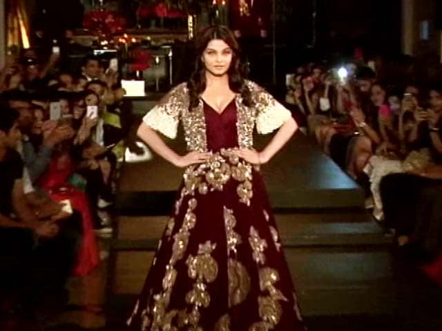 Video : A Preview of Ash's <i>Jazbaa</i> on the Ramp