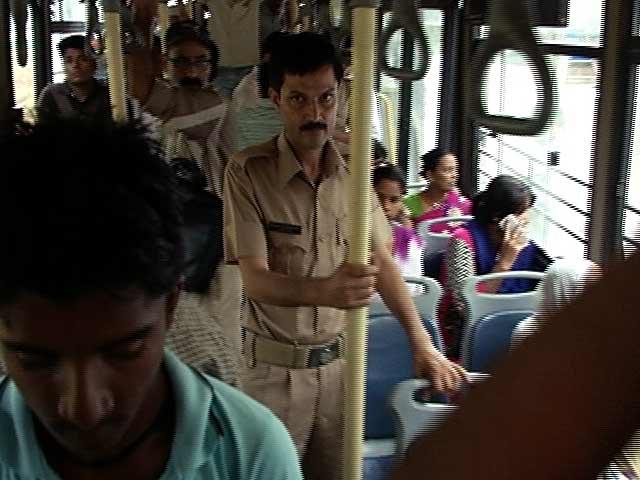 Videos : किस काम के हैं डीटीसी बसों के मार्शल?