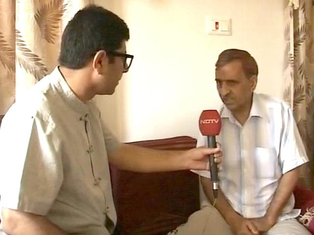 Video : Raids in Kashmir After Police Arrest Doctor, Claim to Foil Terror Plot