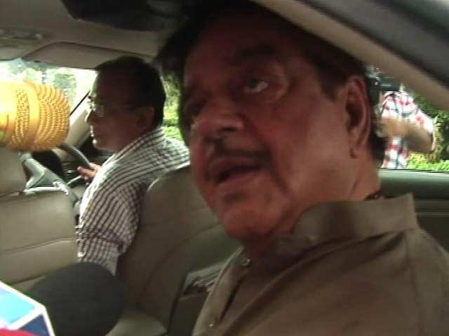 Video : Shatrughan Sinha Polishes Defense, Says 'PM Does It Too'