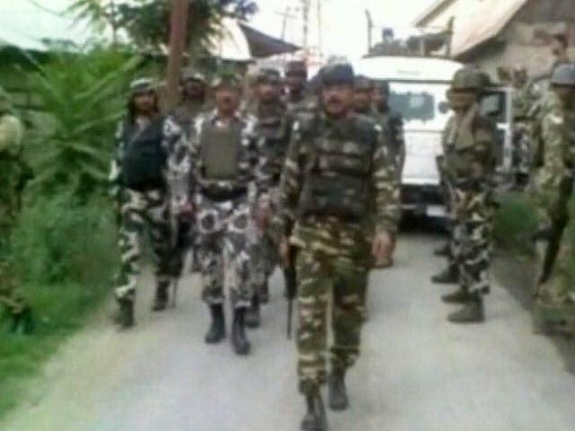 Video : जम्मू-कश्मीर के पुलवामा में सुरक्षा बलों से हुई मुठभेड़ में दो लश्कर आतंकी ढेर