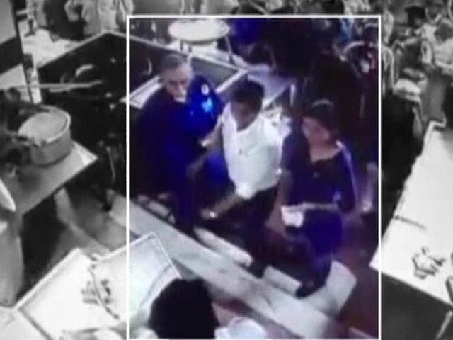 Video : CCTV Footage Shows Vandalism by AAP Lawmaker Before Attack on Party's Alka Lamba