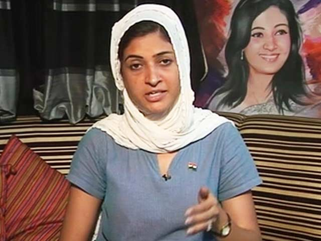Video : 'Caught' by CCTV Footage, AAP's Alka Lamba Pleads 'Fit of Anger'