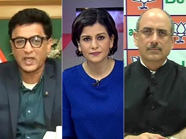 Video : Modi vs Gandhis: Has it Become Personal?