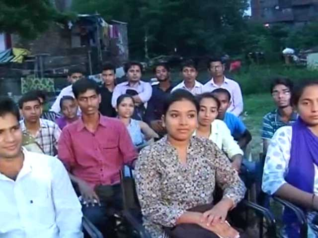 Video : Delhi's Slum Grads Offer Stories of Inspiration and Heartache