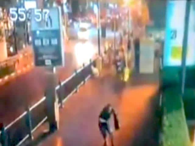 Video : सीसीटीवी में कैद हुई थाईलैंड की राजधानी बैंकॉक में हुए आतंकी हमले की तस्वीरें