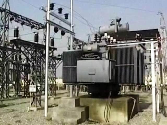 Video : दिल्ली में बिजली कंपनियों ने हेराफेरी कर लोगों को लगाया 8 हजार करोड़ का चूना