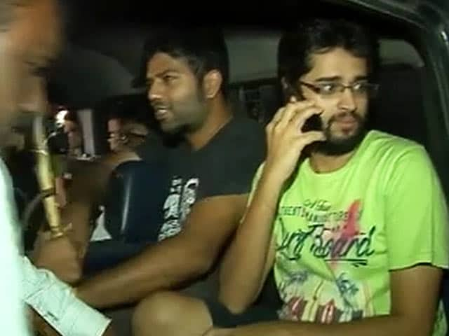 Video : 5 FTII Students Arrested by Pune Police in Midnight Crackdown at Campus