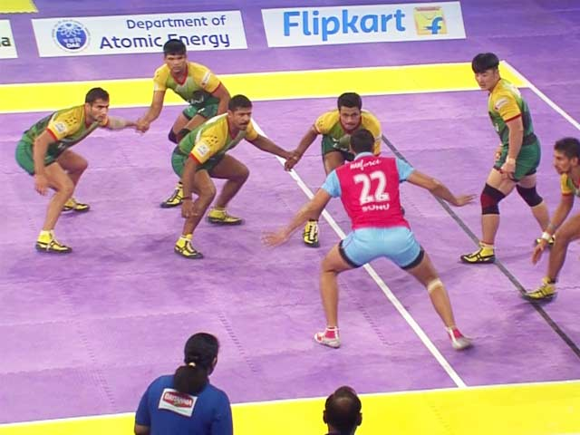 Video : Pro Kabaddi League: Patna Pirates Enter Play-Offs With Win vs Jaipur Pink Panthers