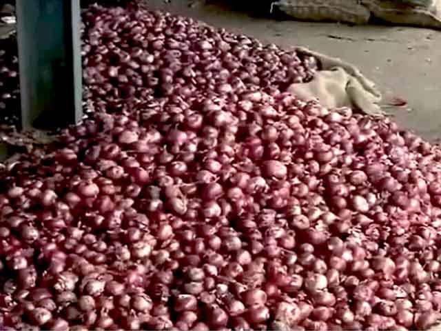 Videos : 4,900 रुपये प्रति क्विंटल प्याज़ के दाम, थोक भाव दो साल में सबसे ज़्यादा