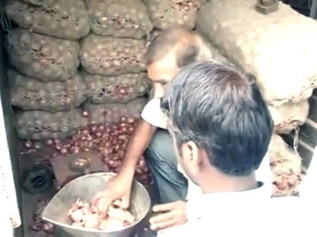 Video : नेशनल रिपोर्टर : दिल्ली में सस्ती सरकारी प्याज के लिए लंबी-लंबी लाइनें
