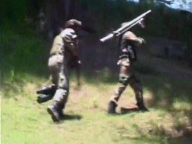 Video : 3 Terrorists Killed, 1 Armyman Injured in Encounter in J&K's Handwara