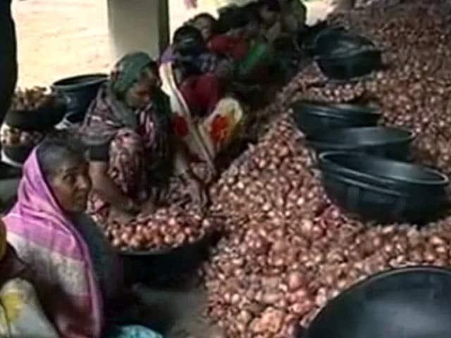 Video : महंगाई का साइड इफेक्ट : मुंबई में चोरी  हुआ 700 किलो प्याज