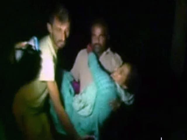 Videos : जम्मू-कश्मीर में पाकिस्तान की ओर से फायरिंग,  तीन लोगों की मौत