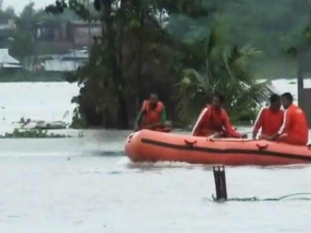 Video : पश्चिम बंगाल में बाढ़ से हालात खराब, 100 से ज्यादा गांव प्रभावित