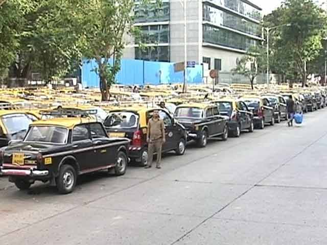 Video : Protesting Against App-Based Cab Services, Mumbai Taxis Go on Strike Again