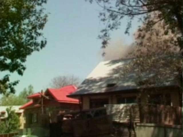 Videos : रफियाबाद में आतंकियों से मुठभेड़, सेना ने धमाका करके घर को उड़ाया