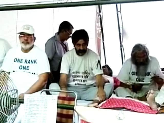 Video : OROP पर असमंजस, दिन भर चला मुलाक़ातों का दौर