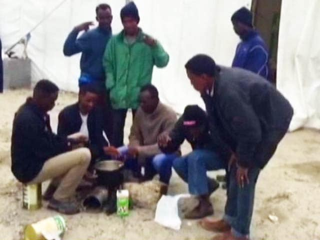 Video : For These Refugees in France, Dreams of a Better Life in England