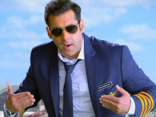 Video : Salman Returns as <i>Bigg Boss</i> Host