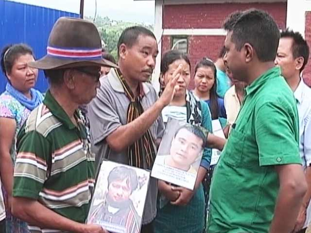 Video : मणिपुर : पुलिस फ़ायरिंग में मारे गए लोगों के अंतिम संस्कार को तैयार नहीं परिजन