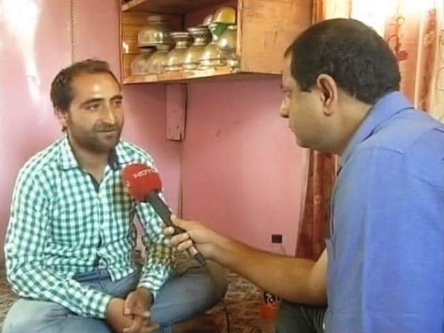 Video : A Year After Floods Washed Away His Wedding, This Kashmiri Man Prepares Again
