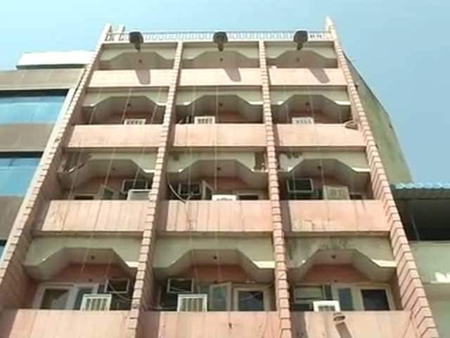 Video : दिल्ली की नाबालिग लड़की से जयपुर के होटल में कथित गैंगरेप