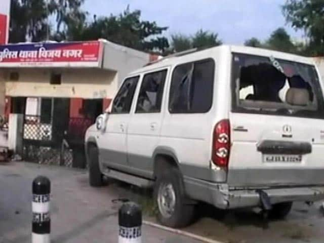 Video : Armymen Attacked Indore Police Station, Took Away CCTV Footage: Cops