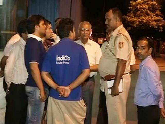 Videos : दिल्ली के सफदरजंग एनक्लेव में 30 साल के शख्स की धारदार हथियार से हत्या