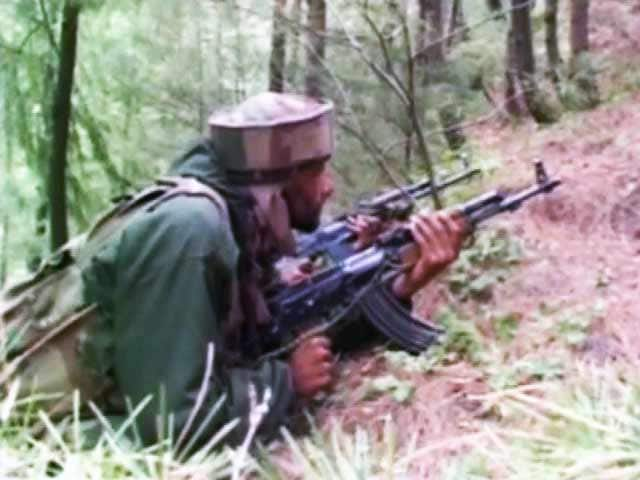Video : 2 Armymen, 2 Terrorists Killed in Encounter in Jammu and Kashmir