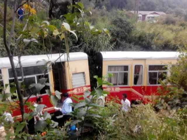 Video : 2 Dead, 8 Injured as Toy Train Derails in Himachal Pradesh