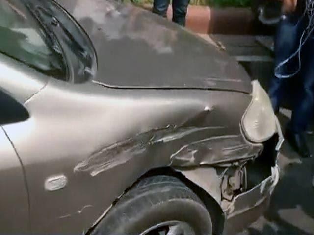 Video : अमित शाह के घर से निकलते ही मांझी की कार ने दूसरी गाड़ी को मारी टक्कर