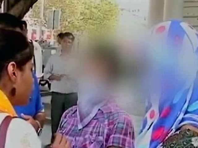 Video : प्राइम टाइम इंट्रो : नेपाली महिलाओं से रेप, क्या भारत को सख्ती करनी चाहिए थी?