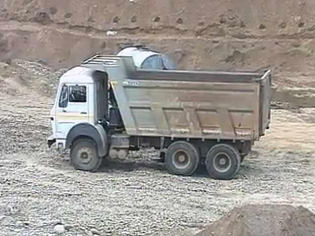 Videos : खबरों की खबर : होशियारपुर में सोने के भाव बिकती रेत-बजरी, सियासी रसूख वालों का संरक्षण