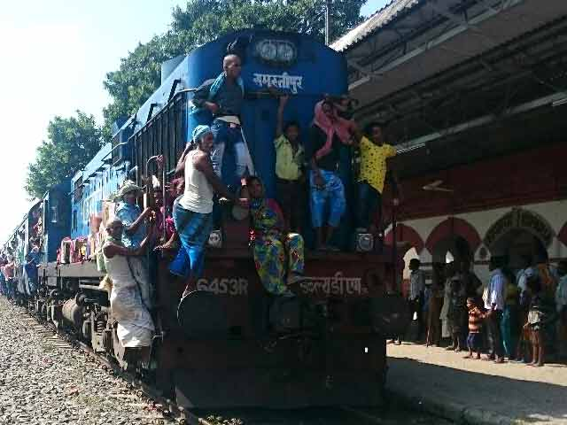 Video : Youth Packing Bihar Trains Has One Destination. Elsewhere.