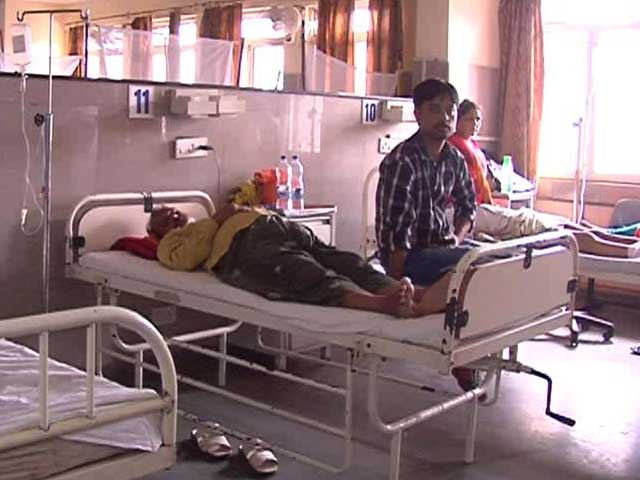 Video : Patients Wait For Treatment As Dengue Rush Swamps Delhi Hospitals