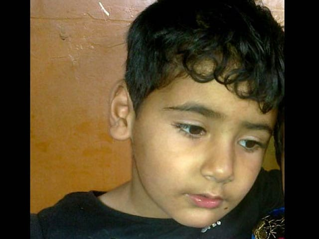 Video : 3-Year-Old Shot Dead Along With Father, a Former Terrorist, in Kashmir