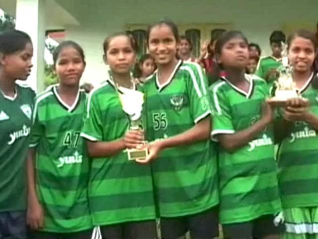 Videos : `झारखंड का गांव विकीपीडिया पर, फुटबॉल के सहारे हुआ मशूहर