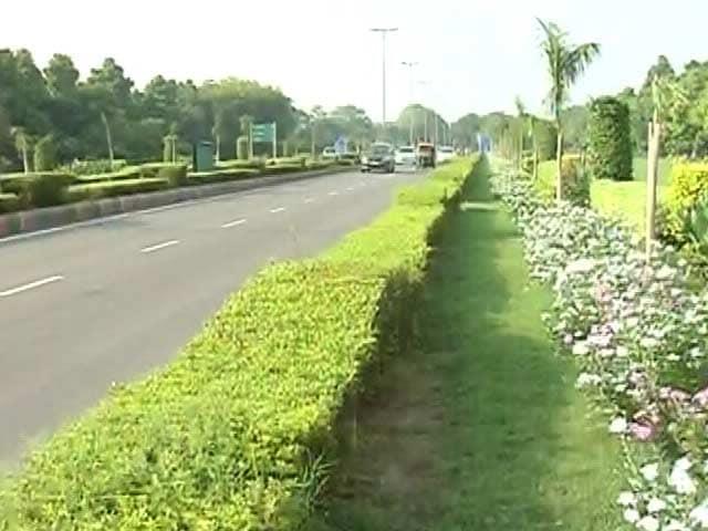 Video : दिल्ली के दूतावास इलाके में भी डेंगू का खतरा, कई देशों के राजनयिकों को हुआ डेंगू