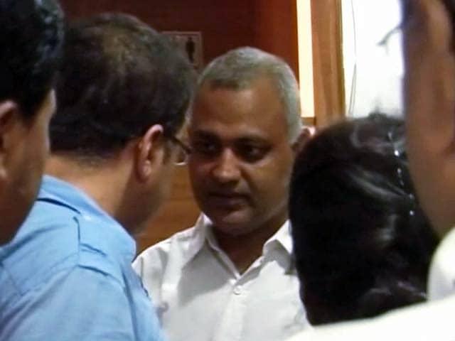 Video : सीएम केजरीवाल ने ट्वीट किया- पार्टी और परिवार को क्यों शर्मिंदा कर रहे सोमनाथ?