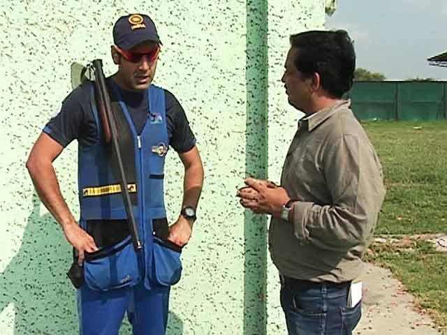 Videos : क्रिकेटर बनना चाहते थे मैराज, सहवाग के साथ खेल चुके हैं क्रिकेट