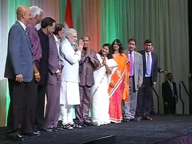 Video : PM Modi in Silicon Valley, Meets Indian Diaspora