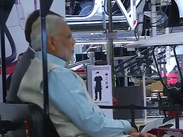Video : PM Modi Takes A Ride In Tesla's Electric Car Factory