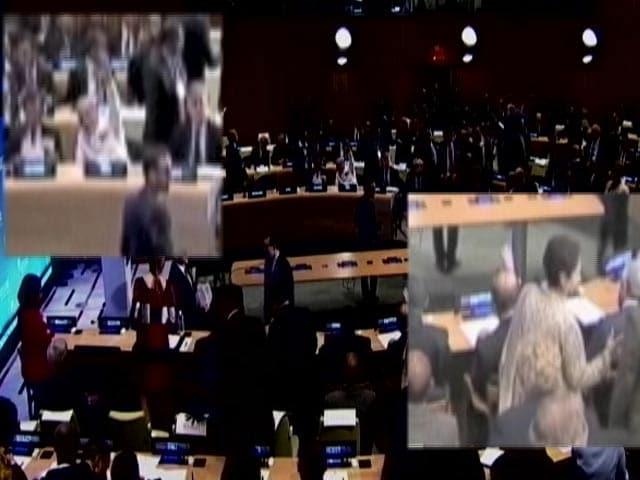 Video : PM Modi, Nawaz Sharif Wave at Each Other at UN Peacekeeping Summit