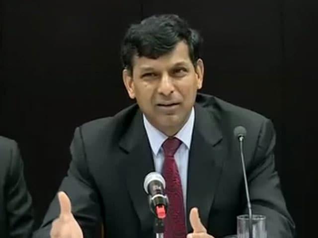 Video : इंडिया 7 बजे : रघुराम राजन के रेपो रेट में कटौती करते ही सस्ते हो रहे हैं बैंक लोन
