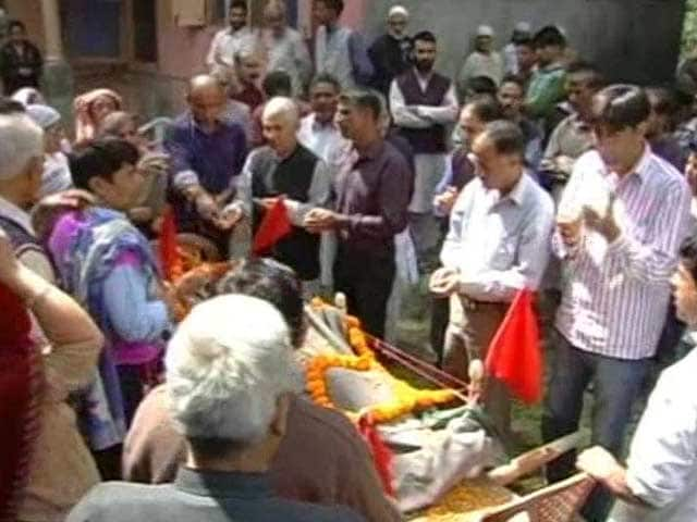 Video : On Eid, a Village in Kashmir Mourns the Death of a Pandit