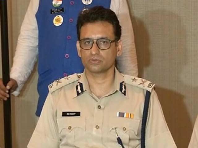Videos : पुलिस कमिश्नर पर सवाल, महिला की मदद करने का आरोप