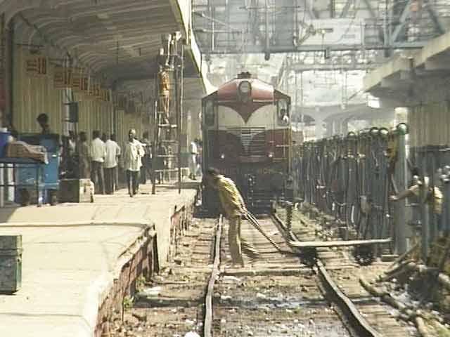 Videos : रेलवे का नया टाइम टेबल लागू, 90 ट्रेनों की बढ़ाई गई स्पीड