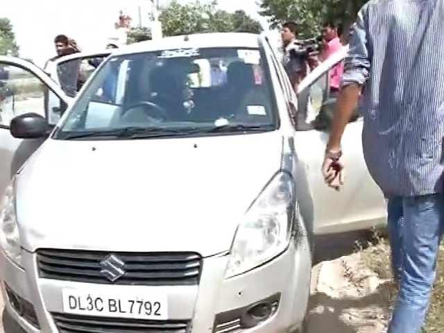 Videos : दादरी : स्थानीय लोगों का NDTV क्रू पर हमला, कैमरामैन को चोट लगी