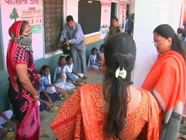 Video : A Taste of Rajasthan for Vasundhara Raje: No Salt in Mid-Day Meal
